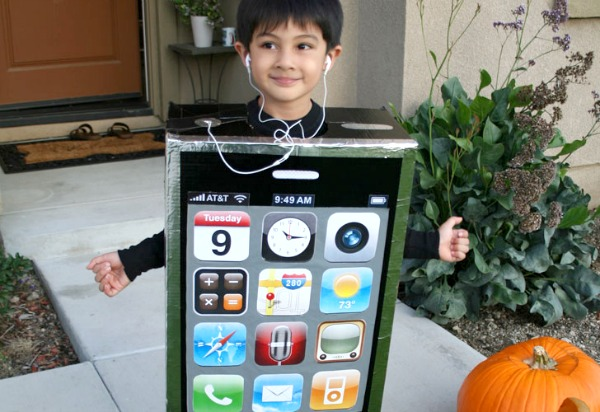 DIY iPhone costume