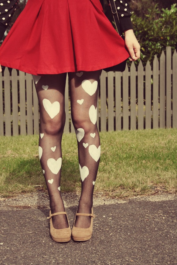 DIY Valentine tights